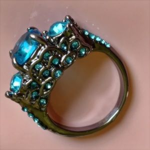 Blue Crystal Size 7 Cocktail Ring